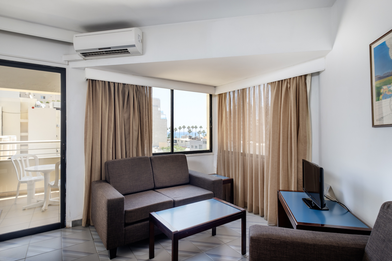 Corner Room Lounge and Balcony