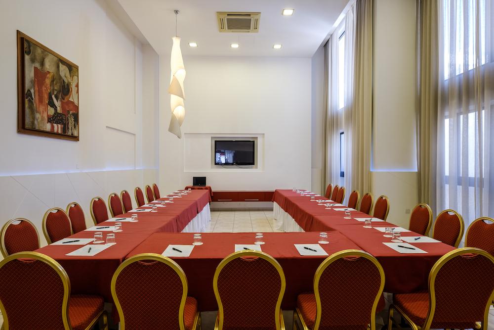 Zenon Meeting Room Zenon 4 Broch.